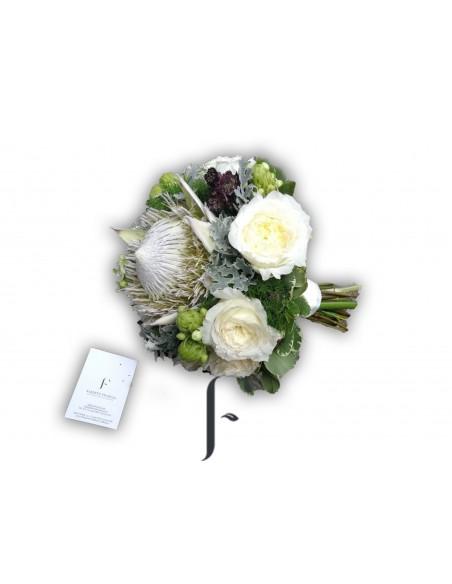 Bouquet novia proteja y rosas David Austín