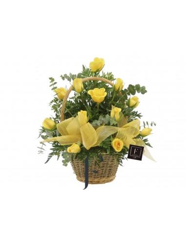 Cestita de Rosas Amarillas